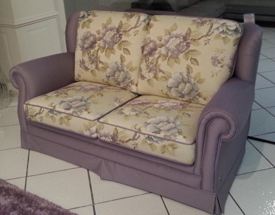 Outlet dell 39 arredamento mobilificio europa tavoli sedie for Outlet poltrone