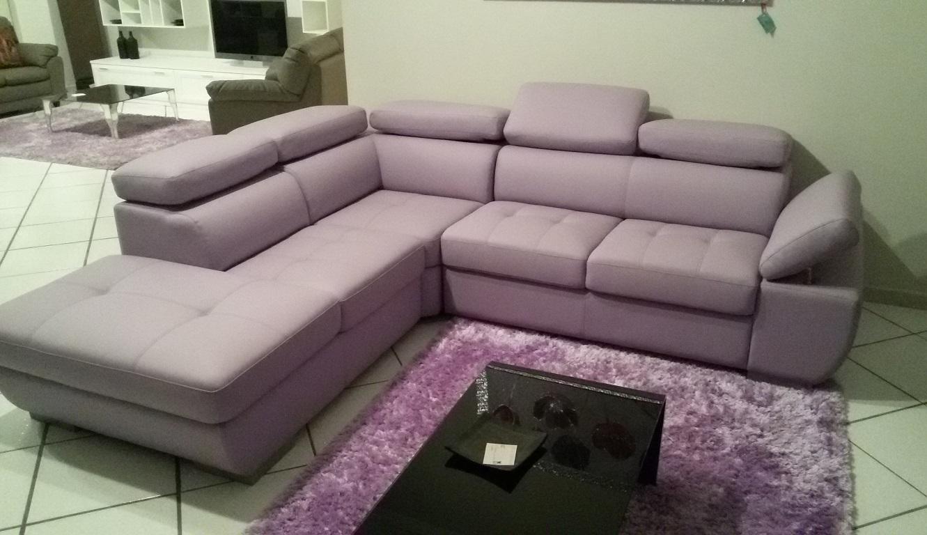 Outlet dell 39 arredamento mobilificio europa tavoli sedie for Outlet arredamento divani