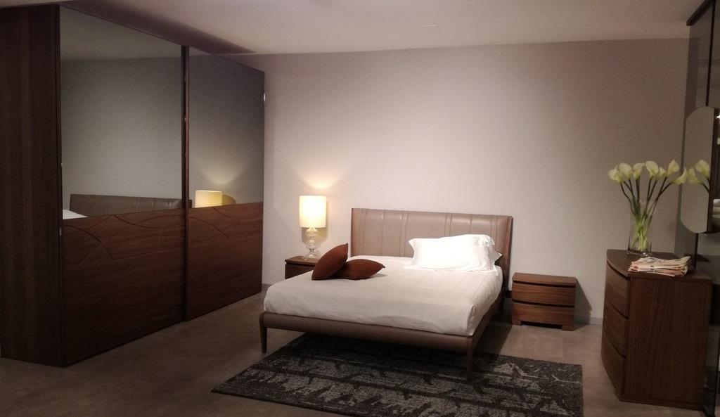 Outlet dell 39 arredamento mobilificio europa tavoli sedie - Outlet camere da letto ...